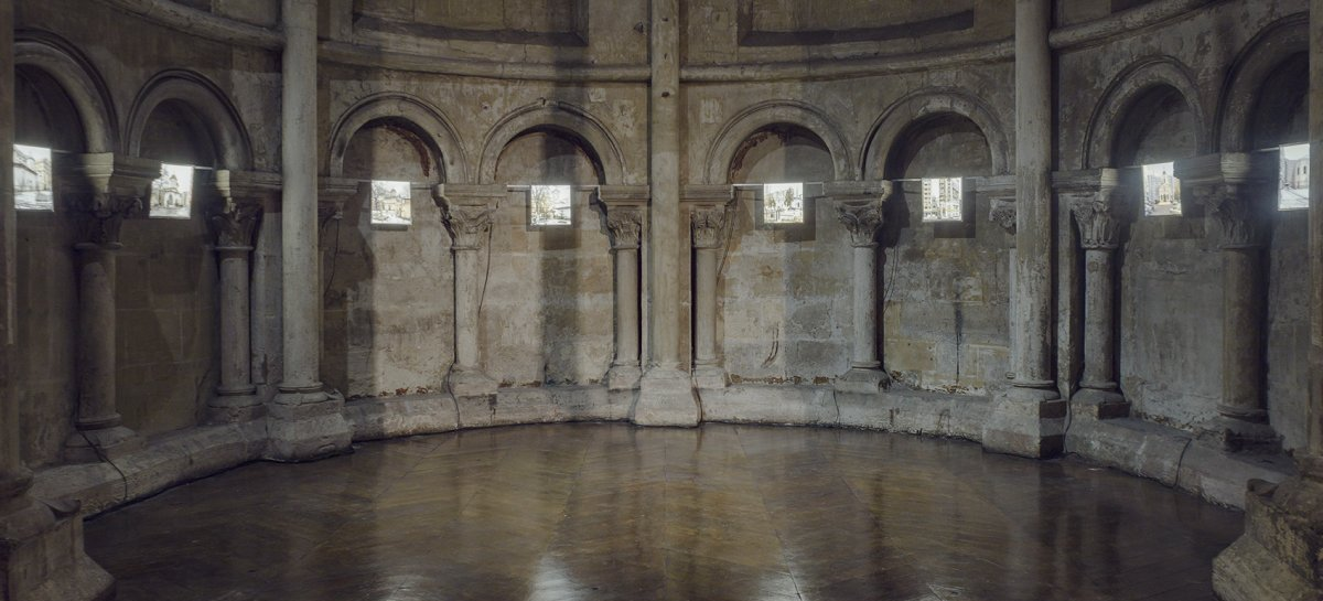 Ausstellungsansicht | Installation view: Photo Saint-Germain 2017, Église Saint Germain des Prés, Paris