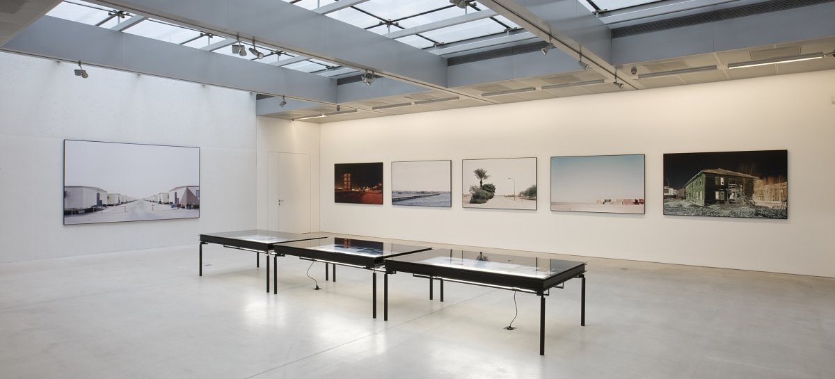 Gregor Sailer »Closed Cities«, Ausstellungsansicht | Exhibition view Taxispalais Kunsthalle Tirol, 2013